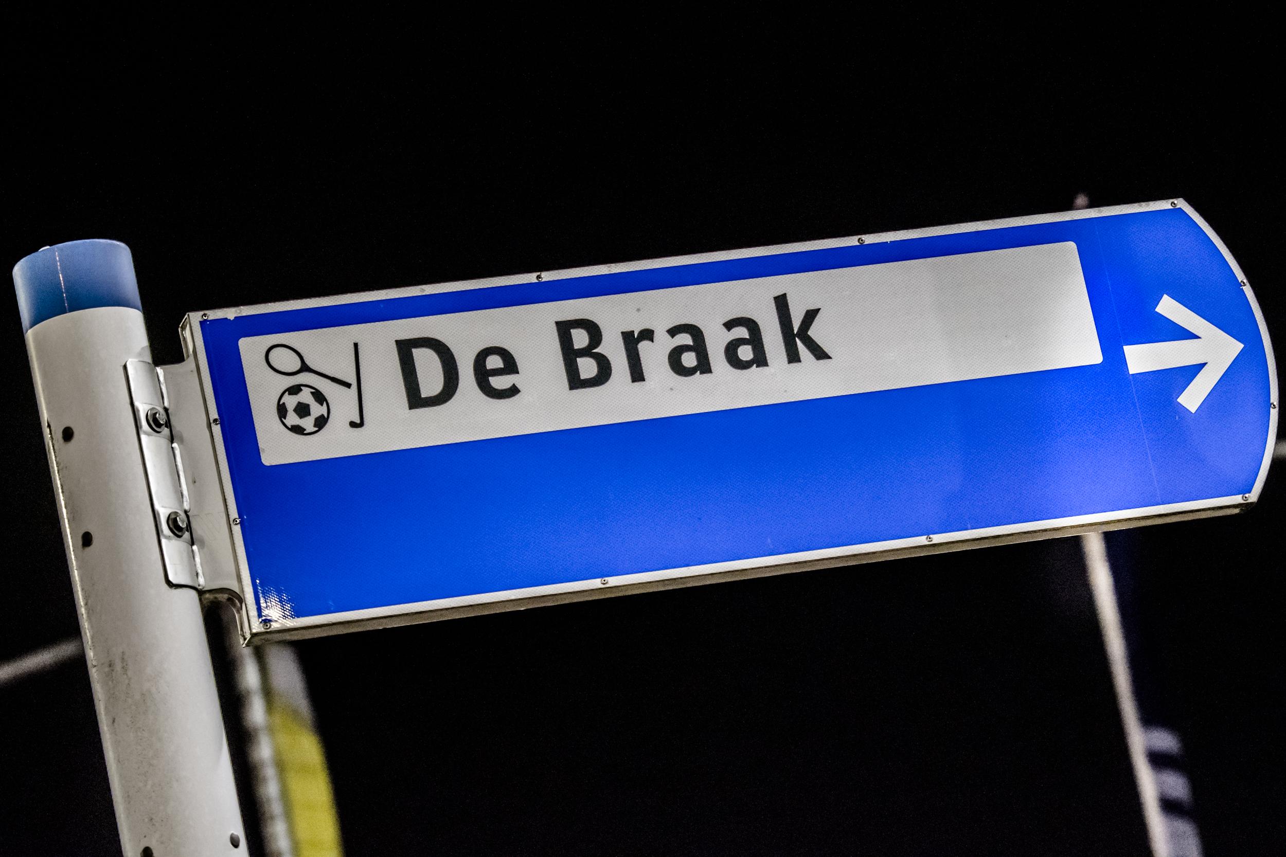 Blauw verkeersbord bewegwijzering De Braak