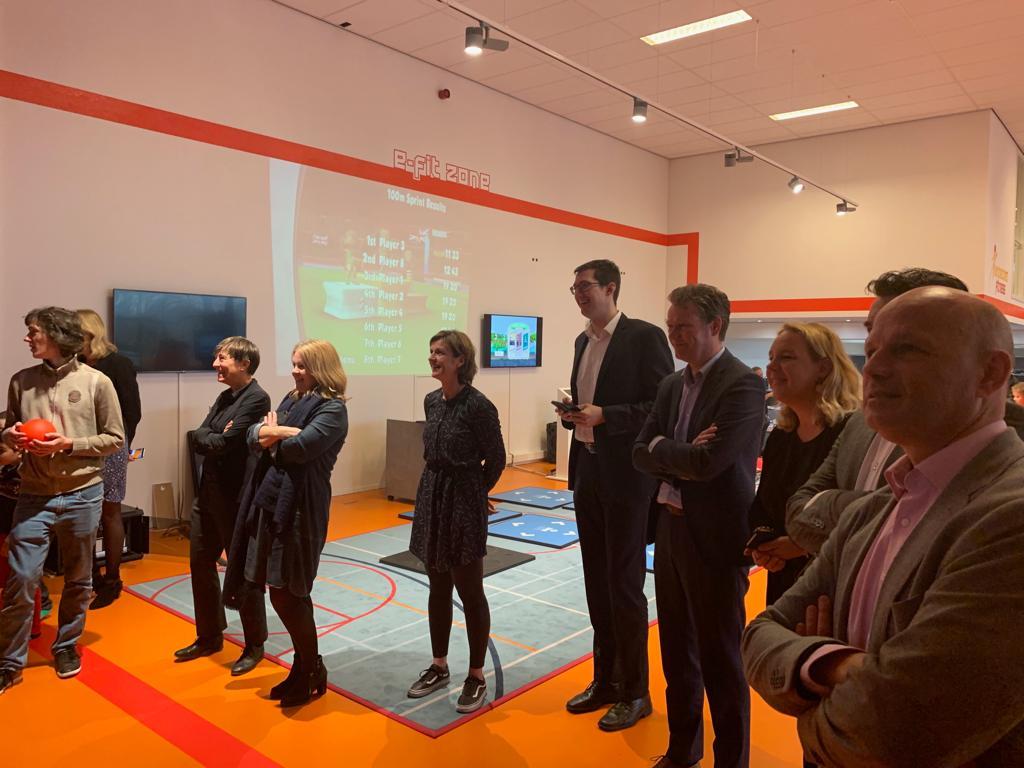 Foto tijdens rondleiding werkbezoek Ministerie Volksgezondheid, Welzijn en Sport