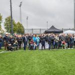 Publiek tijdens officiële opening kunstgrasvelden