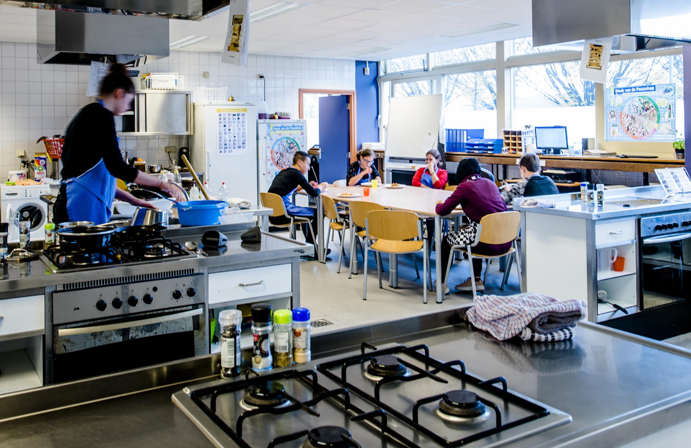 Foto van de keuken op de Praktijkschool Helmond